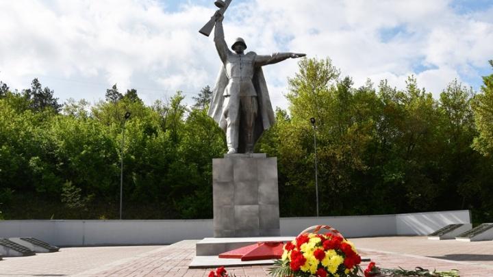 В станице Грушевской и хуторе Черюмкин завершили капитальный ремонт памятников