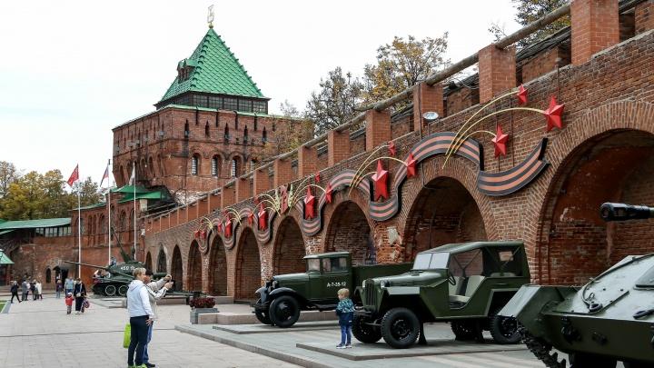 Стены Нижегородского кремля остались без кровли