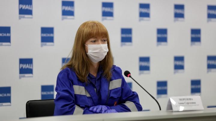 «Не можем забирать всех в больницу»: врач скорой помощи из Волгограда направила легких пациентов в поликлинику