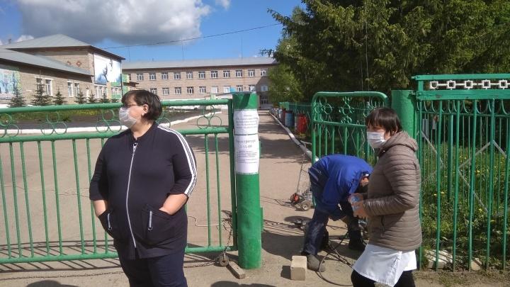 В Башкирии на карантин закрыли больницу: у медработника и членов его семьи подозрение на COVID-19