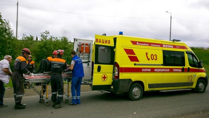 Неосторожный работник упал в жатку комбайна и погиб страшной смертью