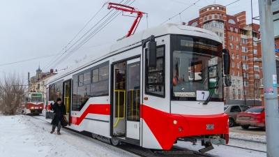 «Пришёл нормальный новый трамвай, а его обругали»: незрячий омич о вагоне из Екатеринбурга