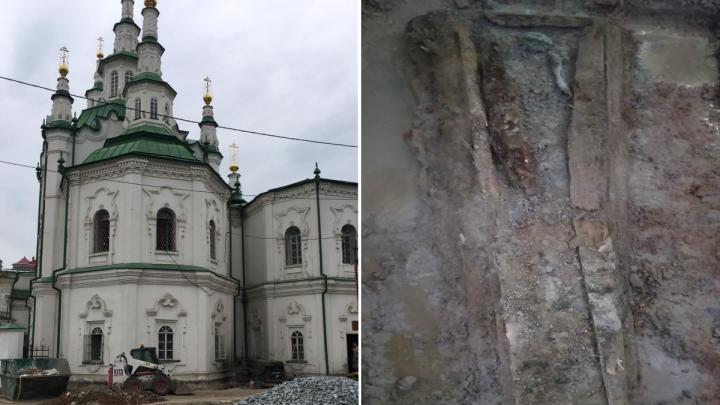 Следователи показали, как выглядит старое захоронение в Спасской церкви