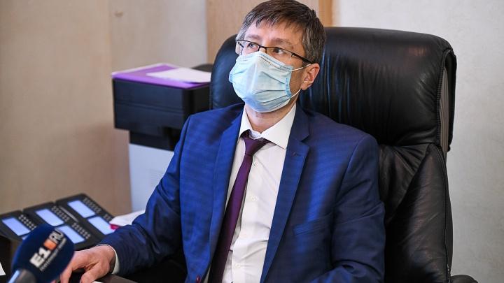 «Доля пенсионеров среди заболевших — 15%»: интервью с главным санитарным врачом области