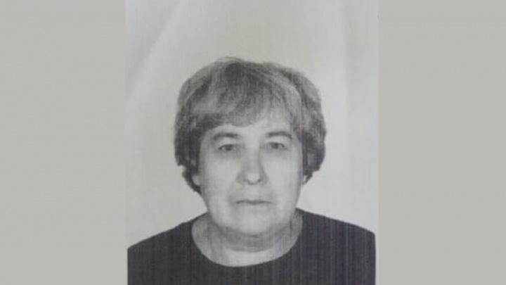 Передвигается с двумя тросточками: в Первоуральске потерялась 79-летняя женщина