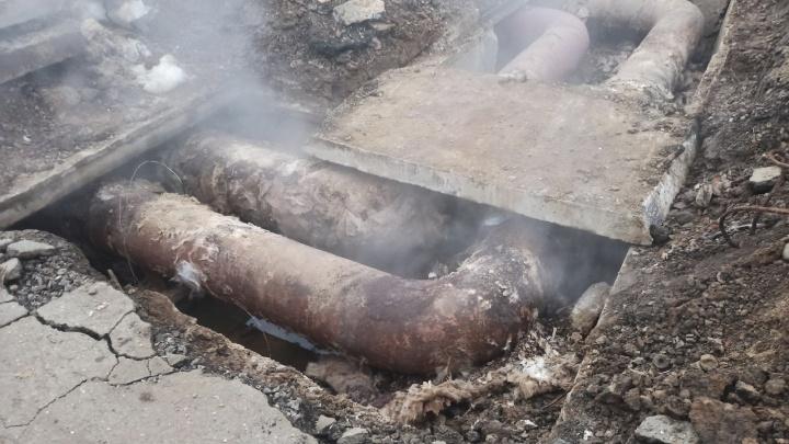 Парит уже неделю: жители Переславля жалуются на аварии на теплосетях