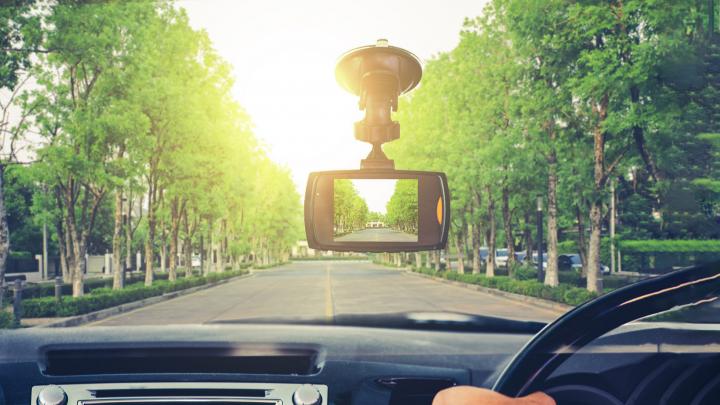Современные проблемы требуют современных решений: какие электронные девайсы пригодятся в поездке