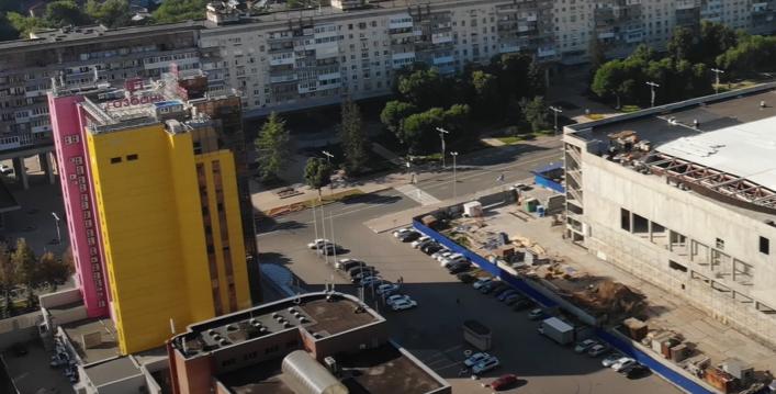 Розово-желтое здание обанкротившегося «Газбанка» не удалось продать с молотка