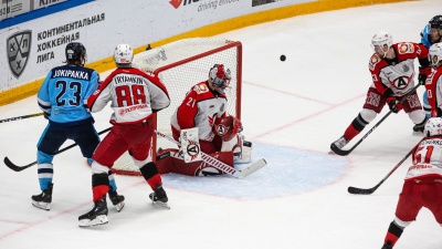 У «Автомобилиста» вообще есть шансы? «Сибирь» выиграла третий матч серии в плей-офф