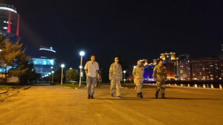 Серьга в ухе еще не повод: в МВД разъяснили полномочия казаков, которые патрулируют Плотинку