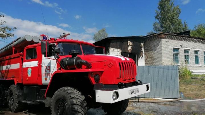В Зауралье в детском лагере произошёл крупный пожар