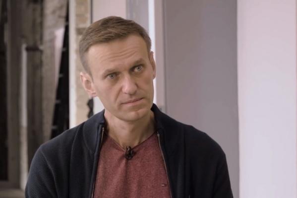Алексей считает, что его намеренно долго держали в Омске