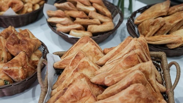 Пермьстат: в Прикамье едят слишком мало фруктов, молока и мяса, но превышают норму по хлебу