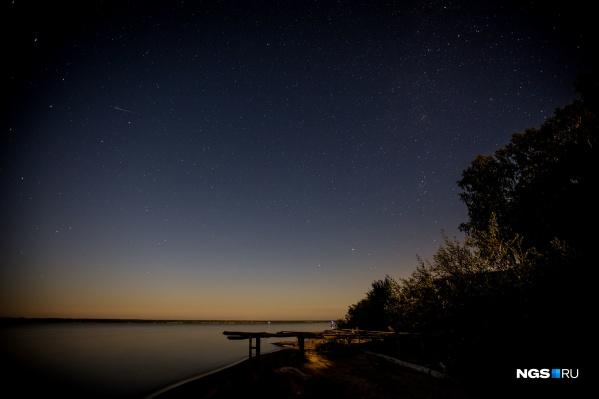 Наблюдать за планетами в небе можно будет весь июль
