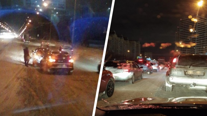 «День сурка»: утром дороги Новосибирска сковали 8-балльные пробки
