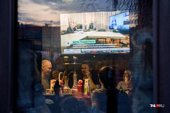 Больше 400 предприятий в Челябинске проверили на соблюдение масочного режима за неделю