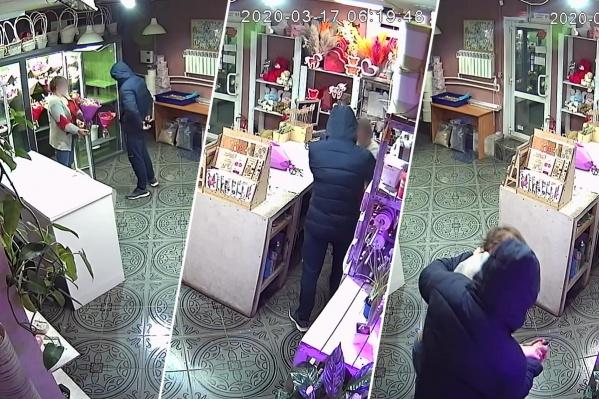 Пострадавшая сотрудница салона обратилась в полицию. Руководство убедило её показать видео нападения общественности — так преступника можно будет быстрее найти