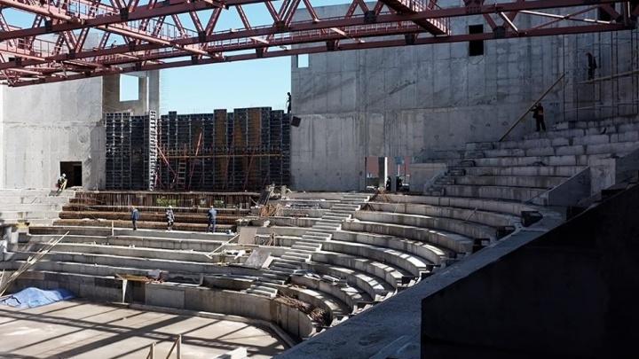 Колонны и несимметричные трибуны: автор дворца спорта на Молодогвардейской показал здание изнутри