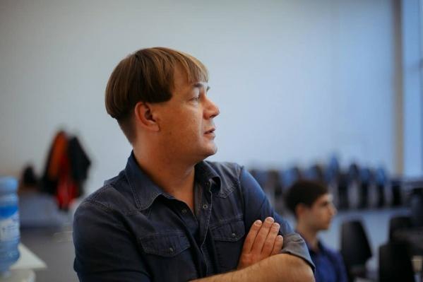 Настройщик и реставратор органа краевой филармонии Антон Русяев