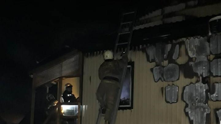 На пожаре в Старом Кировске погиб 59-летний мужчина