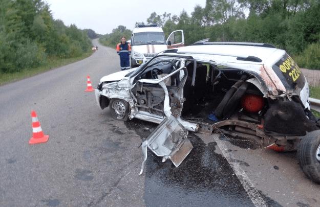 В Башкирии столкнулись Toyota Previa и Lada Kalina. Пассажир погиб, еще двое травмированы