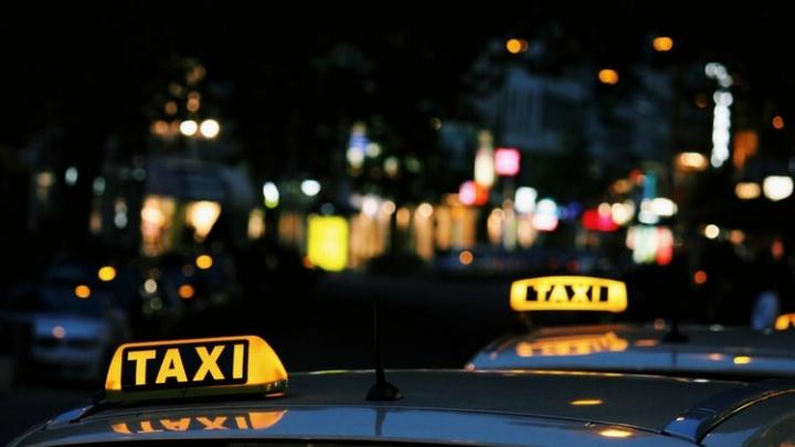 Такси 2020: водители признались, что им мешают конкуренты без российских прав