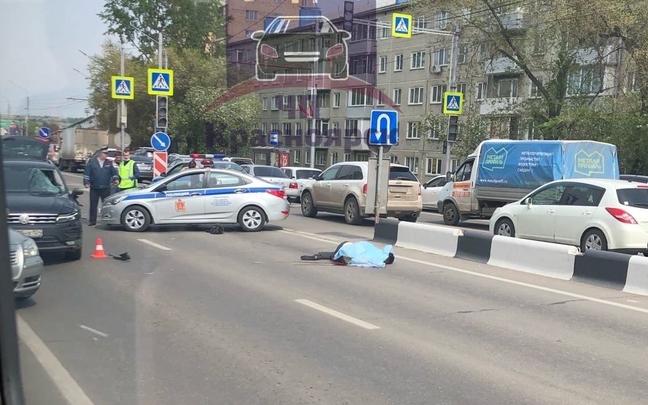 На пешеходном переходе с неработающим светофором насмерть сбили мужчину