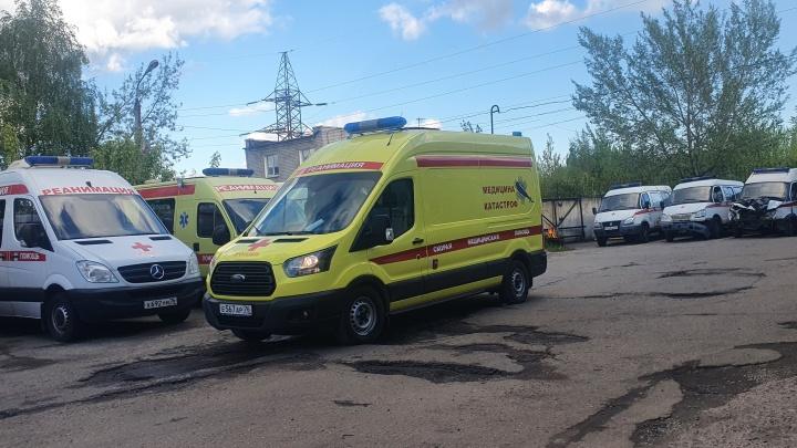 Спор с «официалами»: в Ярославле станция скорой пытается добиться ремонта машин. В них вырубает ИВЛ
