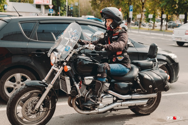 Мария гоняет на мотоцикле с 13 лет и не собирается останавливаться