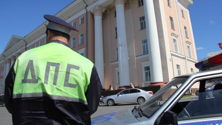 В Архангельске оштрафовали юридическую фирму, директор которой давал взятки инспектору ГИБДД