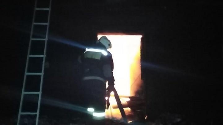 В Большереченском районе сгорел фельдшерско-акушерский пункт. До ближайшего 14 километров