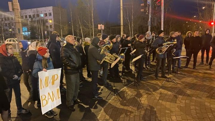 В Архангельск из разных городов приехали люди, чтобы поддержать местных баптистов