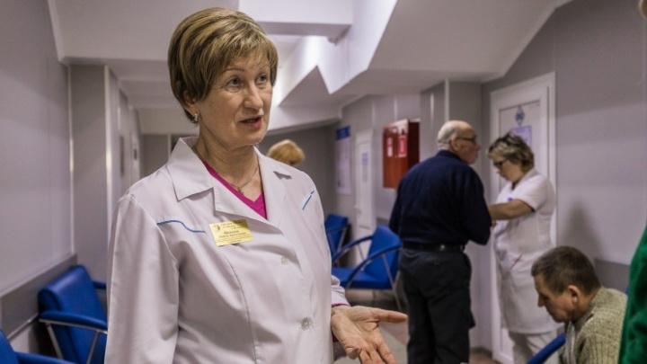Что происходит с очередями и как добиться больничного? Задайте вопрос главврачу новосибирской больницы