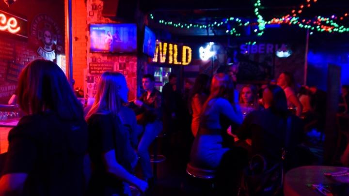 В баре Кургана нашли еду с кишечной палочкой