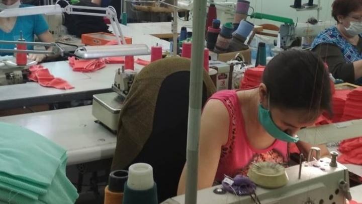В Самаре трикотажная фабрика поставила на поток пошив многоразовых медицинских масок