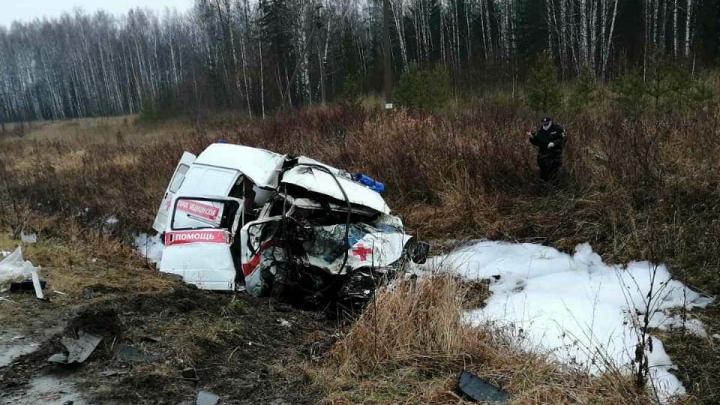 В Пермском крае в ДТП с грузовиком погибли два медика скорой помощи