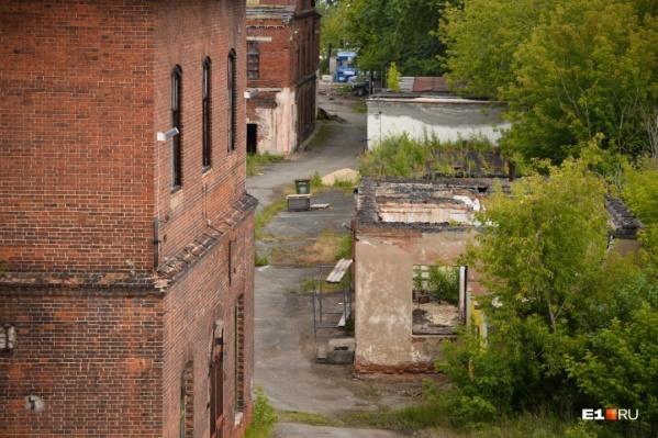 Креативный кластер замаскирован под здание заброшенного завода