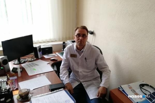 Токсиколог Александр Сабаев утверждает, что первую дозу атропина Навальному ввели на его глазах