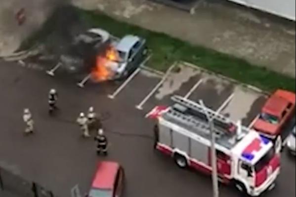 Пожар тушили 8 спасателей