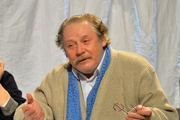 Валерий Иванович сейчас задействован в восьми спектаклях