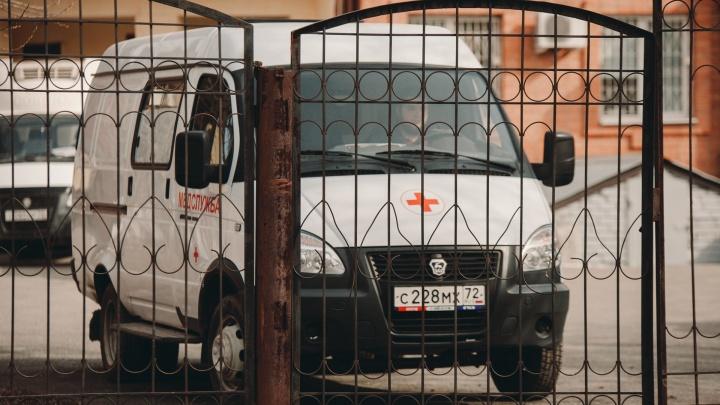 Трое заболевших коронавирусом тюменцев подключены к аппаратам искусственной вентиляции легких