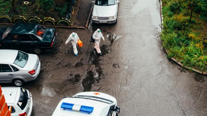 В Омской области от COVID-19 за сутки скончались четыре человека