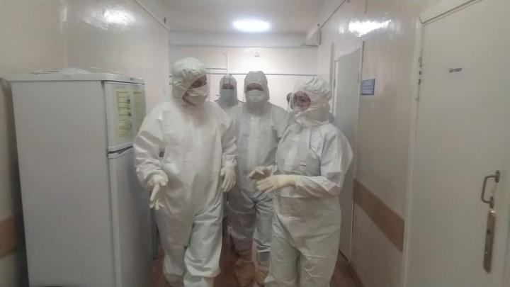Глава Башкирии пообщался в РКБ имени Куватова с больными коронавирусом пациентами
