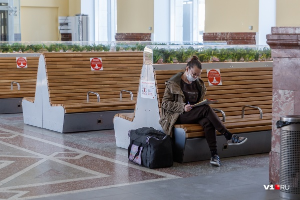 Волгоградцы стараются пережить коронавирус дома
