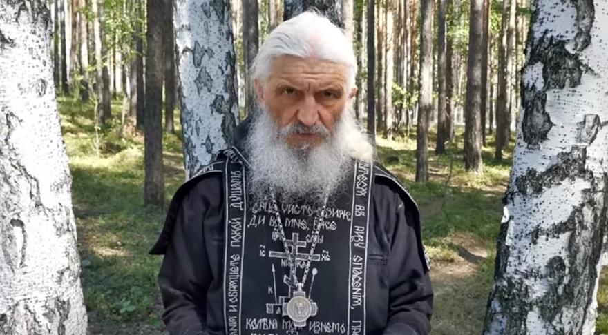 «Возникает клоунский эффект»: Ройзман — о требовании отца Сергия передать себе полномочия президента