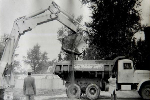 28 августа 1980 года экскаватор вынул первый ковш земли. Так началась история уральской подземки