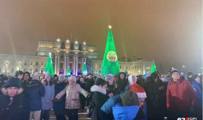 Дмитрий Азаров: «Приглашать людей на массовые гулянья в праздничные дни будет неразумно и опасно»