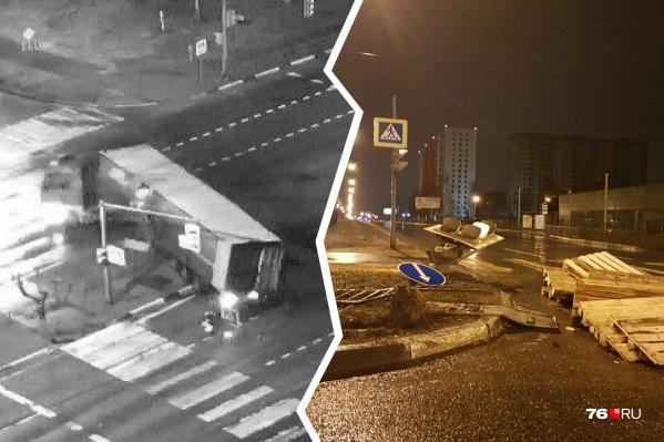 ДТП произошло в 3 часа 15 минут на проспекте Фрунзе в Ярославле