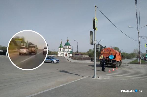 Авария произошла неподалеку от главного въезда на Бадалык