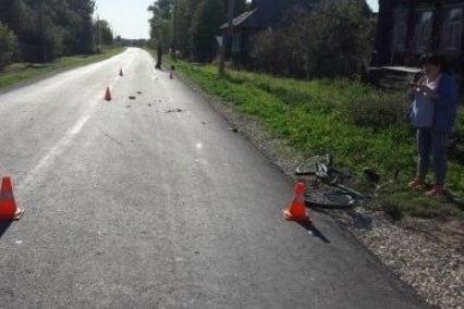 В момент аварии дети ехали по обочине на велосипедах
